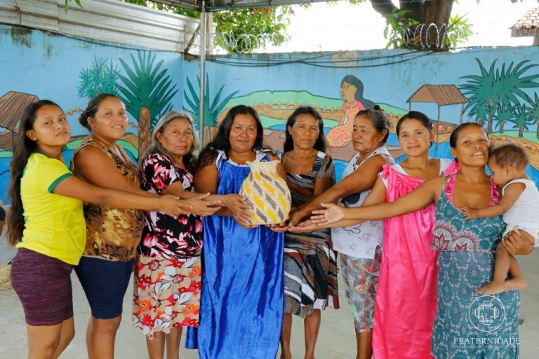Artesãs refugiadas Warao recebem 7º Prêmio do Objeto Brasileiro
